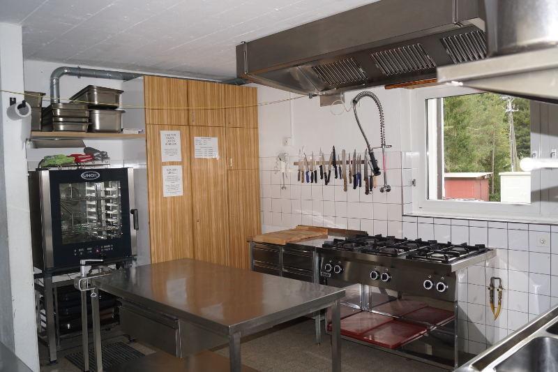 Küche Pensiun Lischana